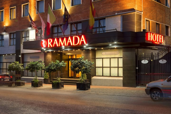 Ramada By Wyndham Naples Napoli It Hotels