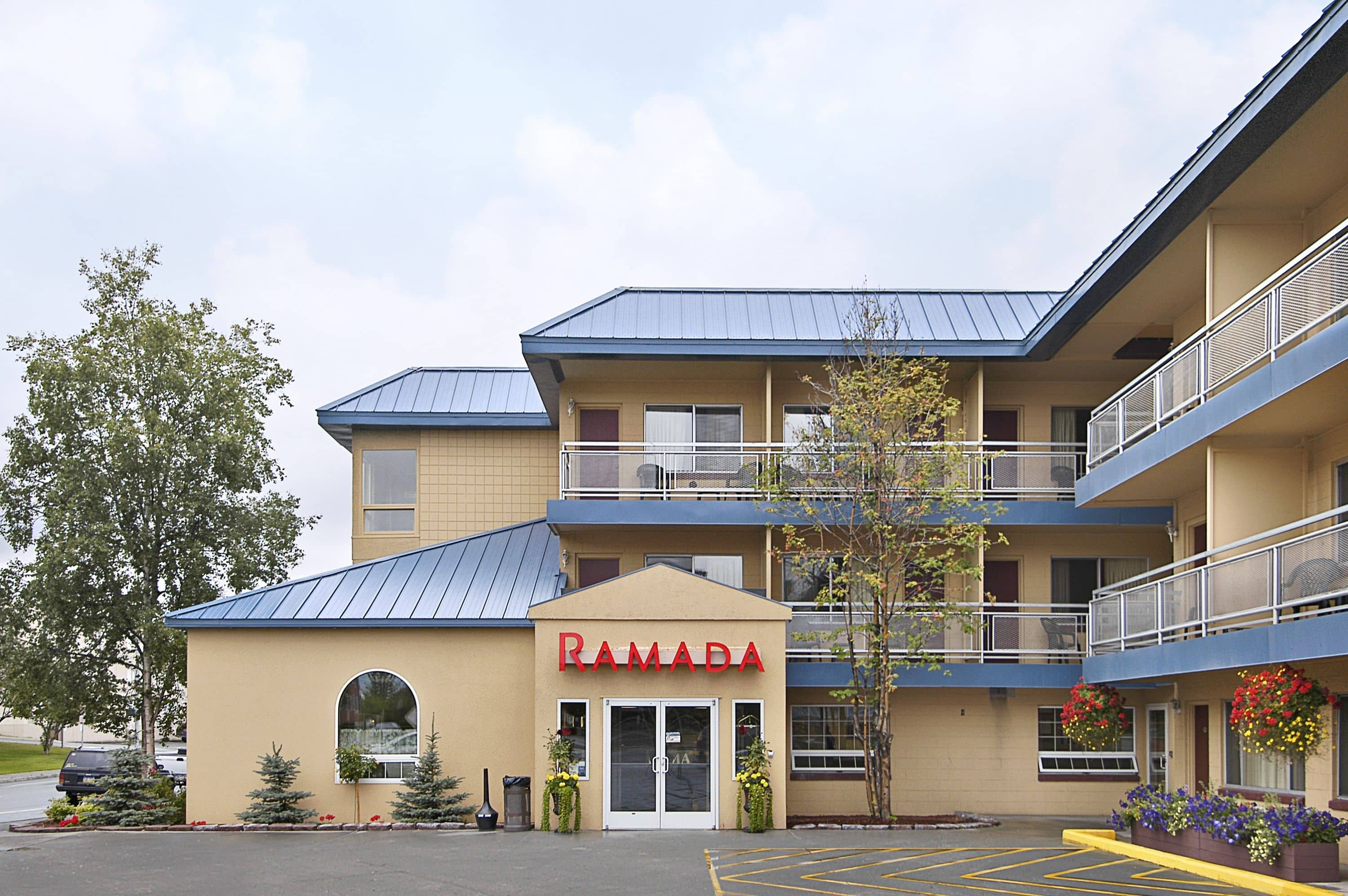 Amazing Exterior Of Ramada Anchorage Hotel In Alaska With Hotels Near Airport