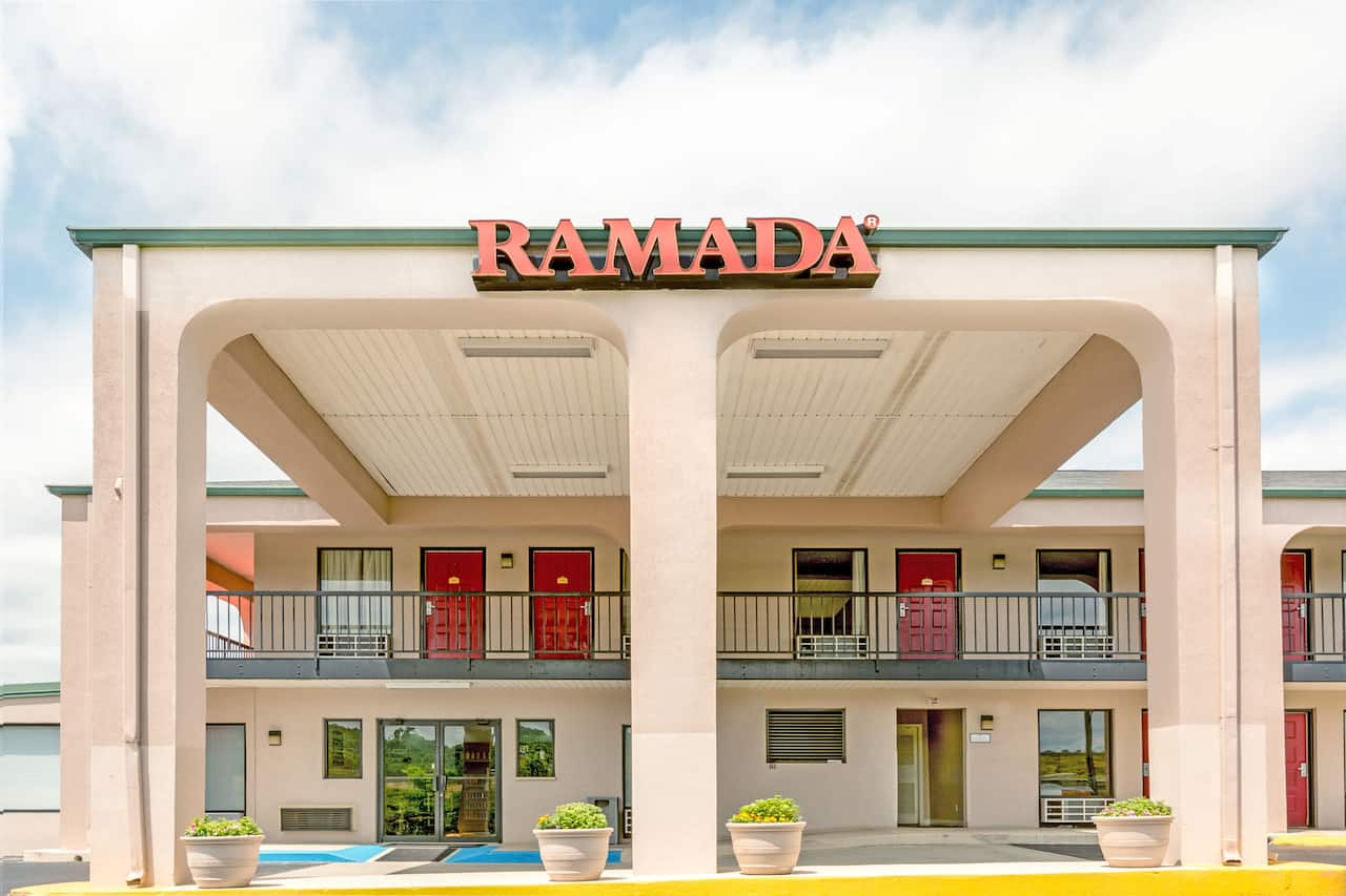 Ramada Pelham in Childersburg, Alabama