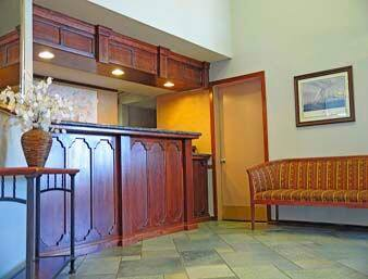 Https Www Wyndhamhotels Content Dam Property Images En Us Ra Ca Antioch 00252 Lobby View 1 Jpg Downsize 1280px At The Ramada In