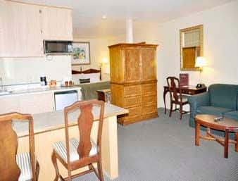 Https Www Wyndhamhotels Content Dam Property Images En Us Ra Ca Antioch 00252 Suite 1 Jpg Downsize 1280px At The Ramada In