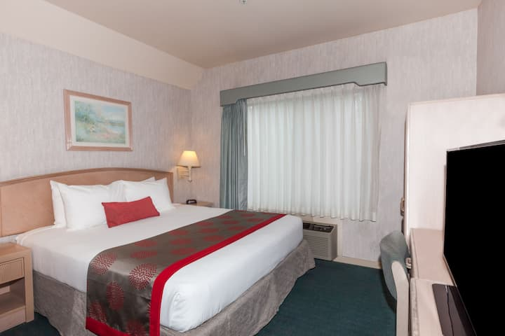 Guest room at the Ramada Limited Bakersfield North in Bakersfield, California