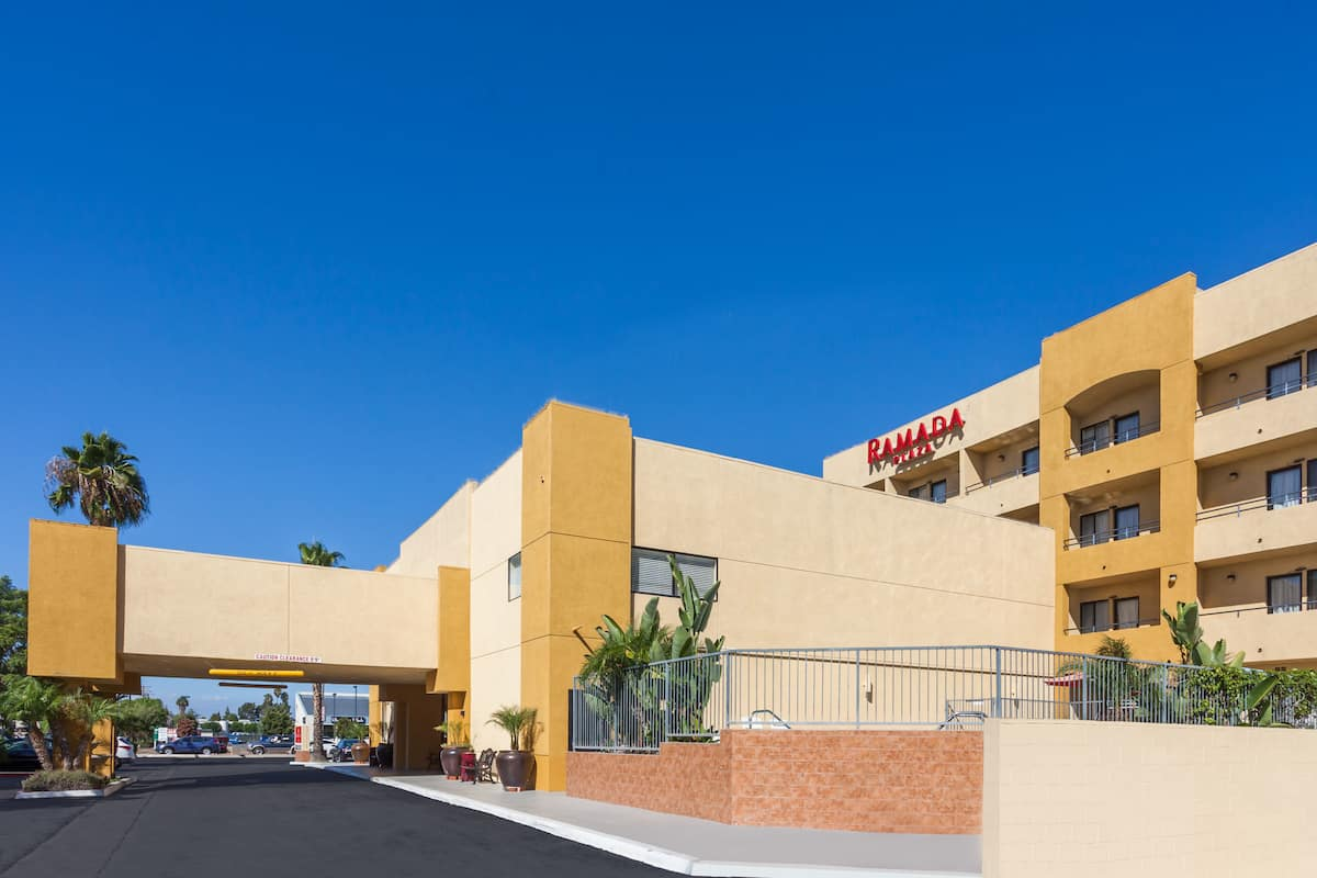 garden grove ca hotels. Exterior Of Ramada Plaza By Wyndham Garden Grove/Anaheim South Hotel In Grove, Grove Ca Hotels C