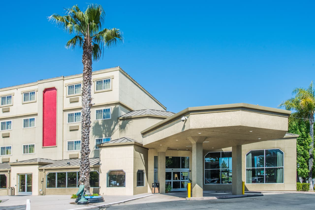 Ramada West Sacramento Hotel and Suites in Rocklin, California