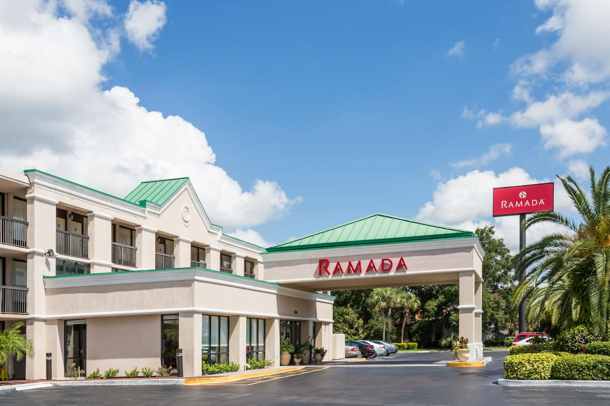 Exterior Of Ramada By Wyndham Altamonte Springs Hotel In Florida