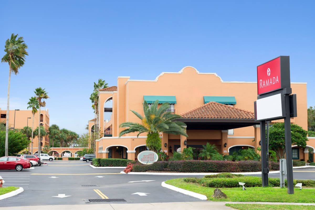 Exterior Of Ramada Kissimmee Downtown Hotel In Florida