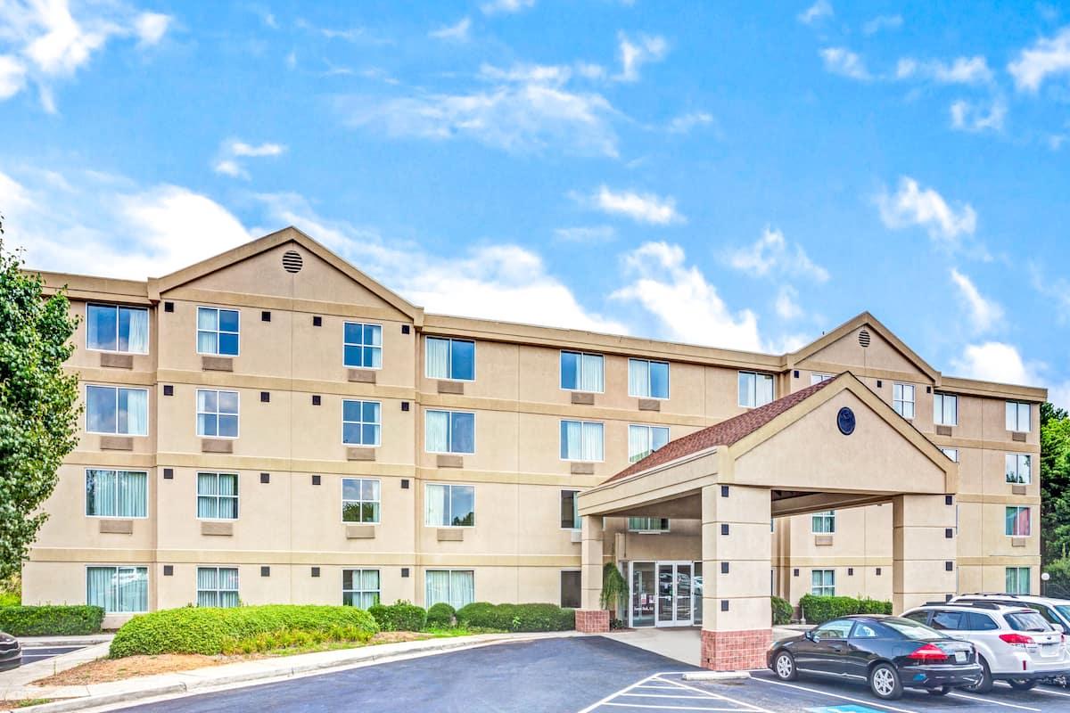 Exterior Of Ramada Atlanta Airport East Forest Park Hotel In Georgia