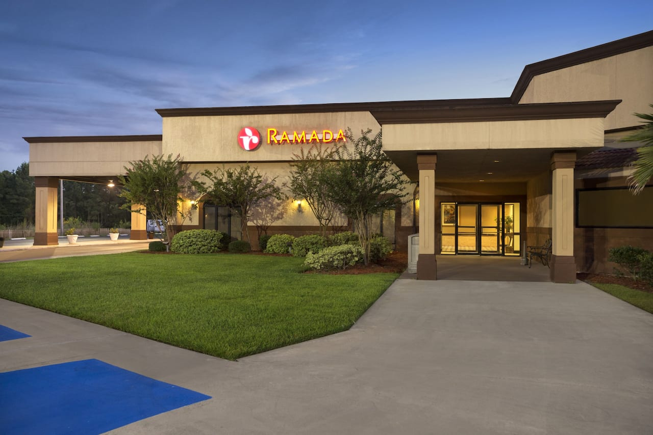 Ramada Pooler/Savannah in  Richmond Hill,  Georgia
