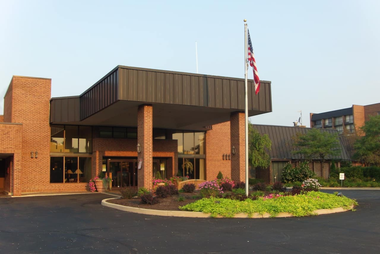 Ramada Plaza Fort Wayne Hotel and Conference Center in  Columbia City,  Indiana