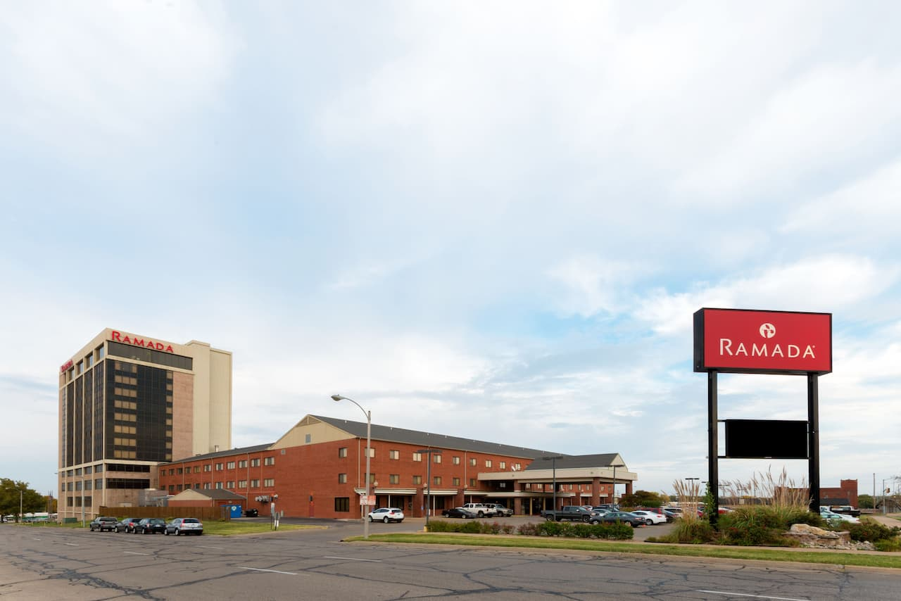 Ramada Topeka Downtown Hotel and Convention Center in  Topeka,  Kansas