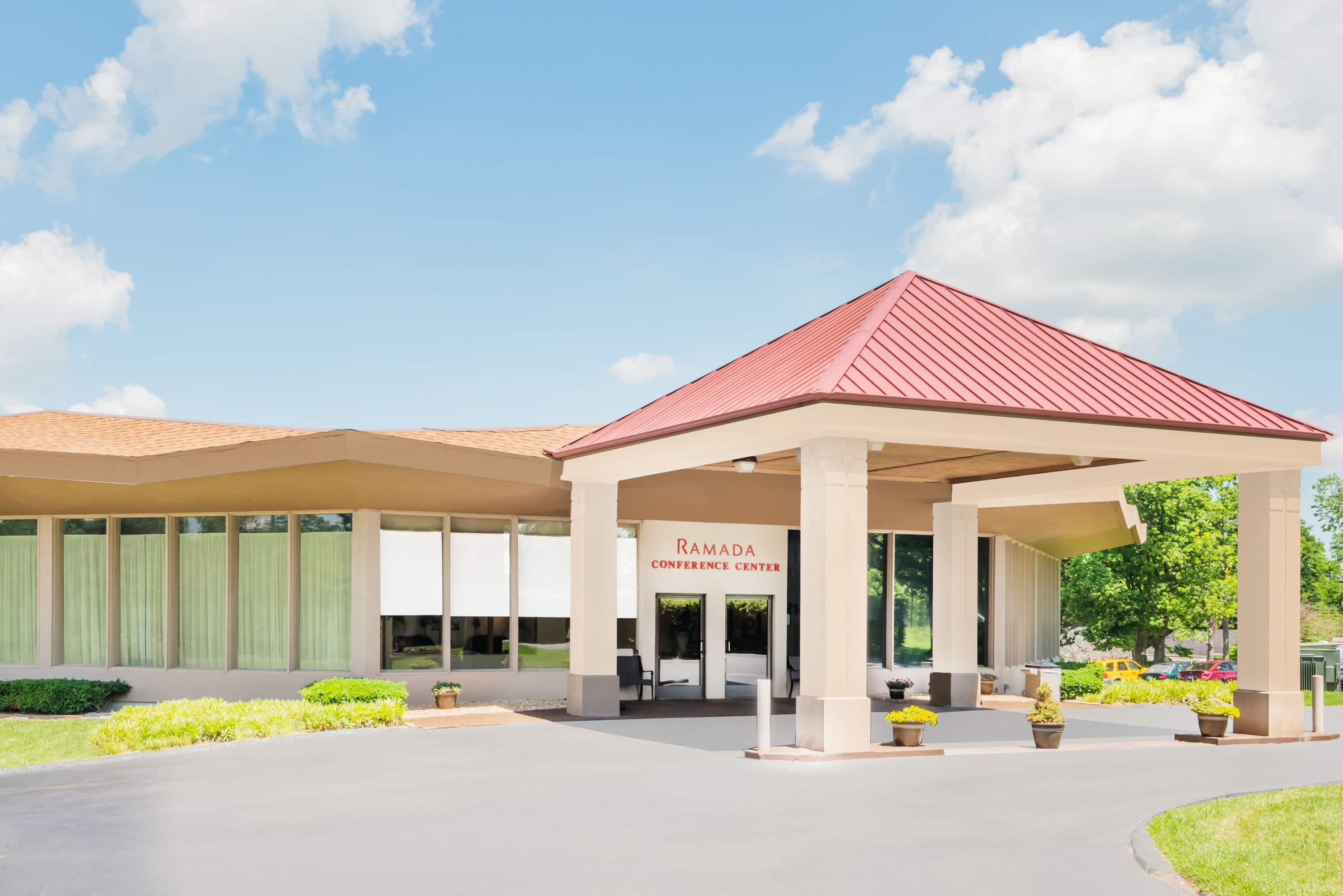 Ramada By Wyndham Lexington North Hotel Conference Center Ky Hotels