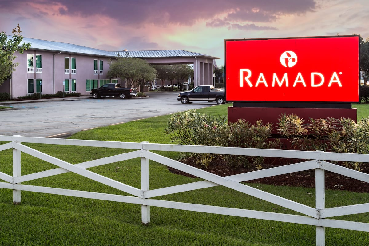 Exterior Of Ramada By Wyndham Luling Hotel In Louisiana