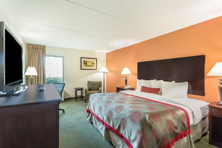 Guest Room At The Ramada By Wyndham Luling In Louisiana