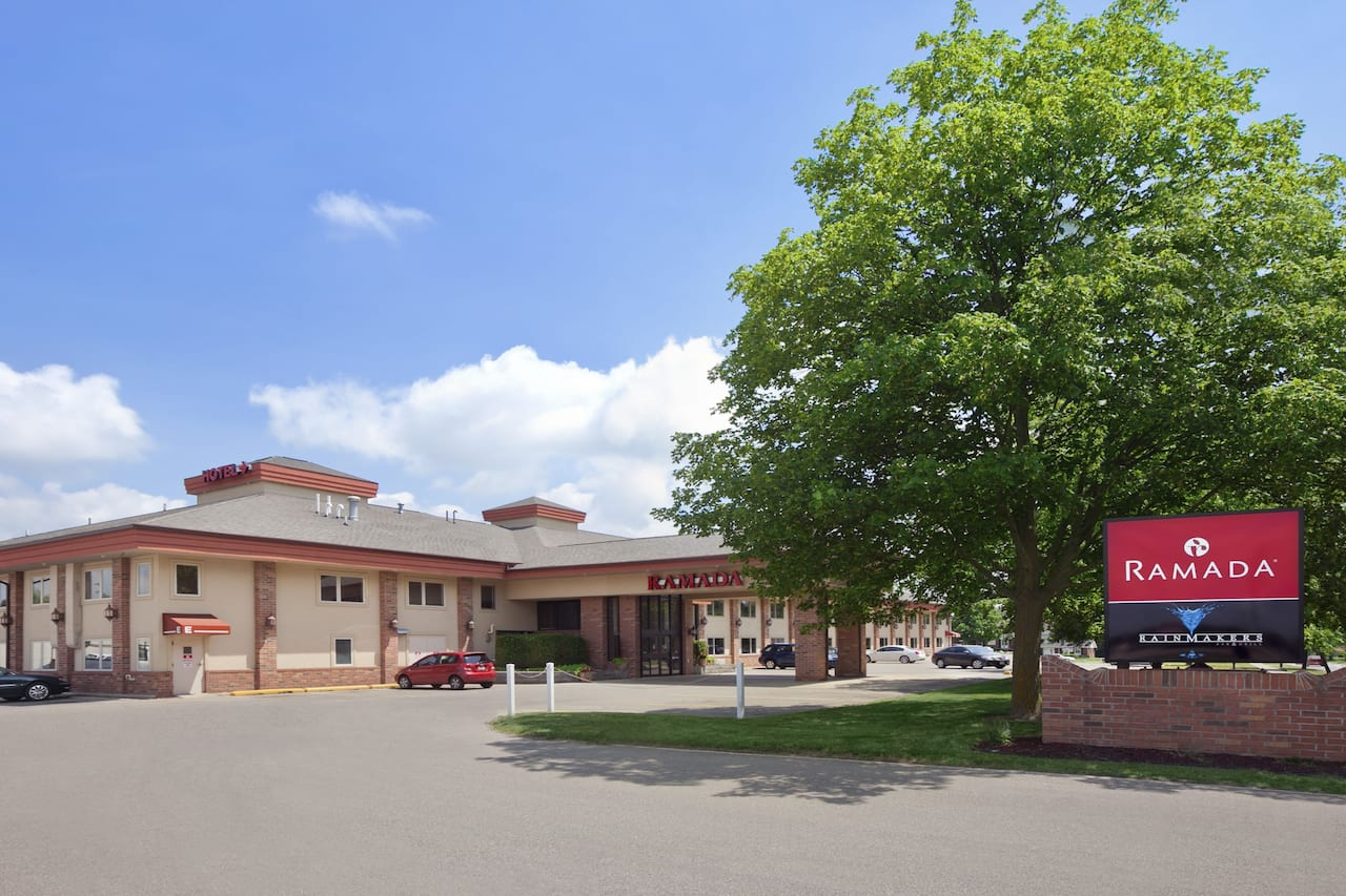 Ramada Saginaw Hotel & Suites in  Midland,  Michigan