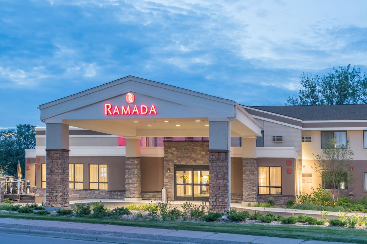 Ramada Minneapolis Golden Valley in Arden Hills, Minnesota
