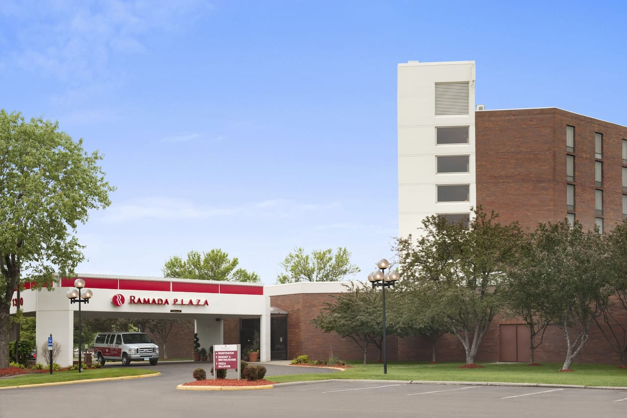 Ramada Plaza Minneapolis in Mounds View, Minnesota