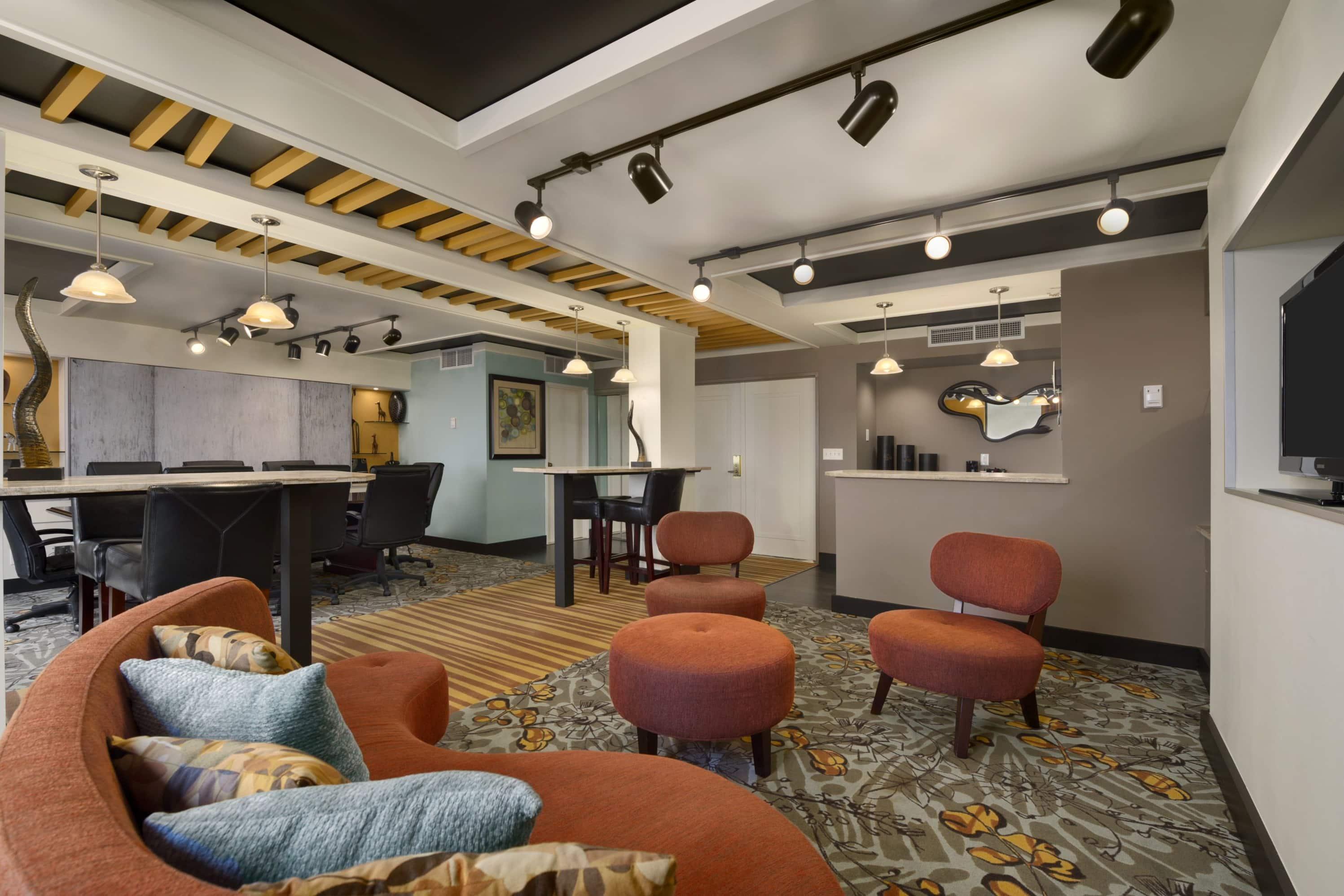 Ramada Plaza Minneapolis suite in Minneapolis, Minnesota