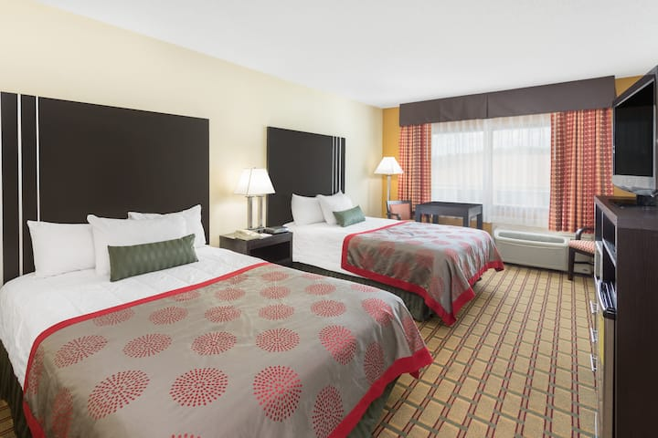 Ramada By Wyndham Asheville Southeast Asheville Nc Hotels