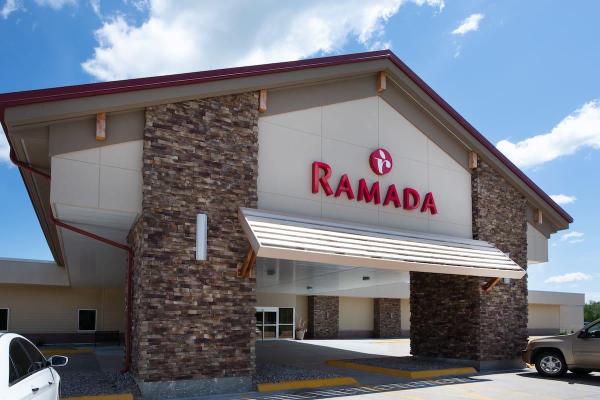 Exterior Of Ramada Hotel Conference Center By Wyndham Columbus In Nebraska