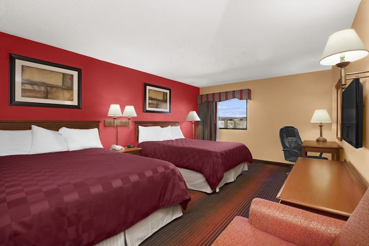 Guest room at the Ramada East Orange in East Orange, New Jersey