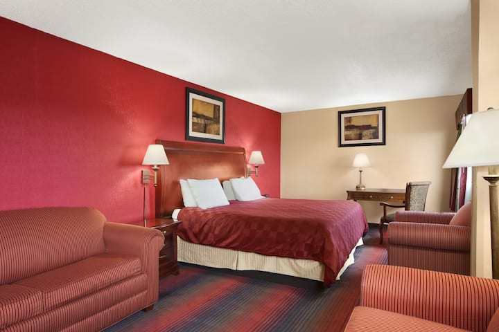 Ramada East Orange suite in East Orange, New Jersey