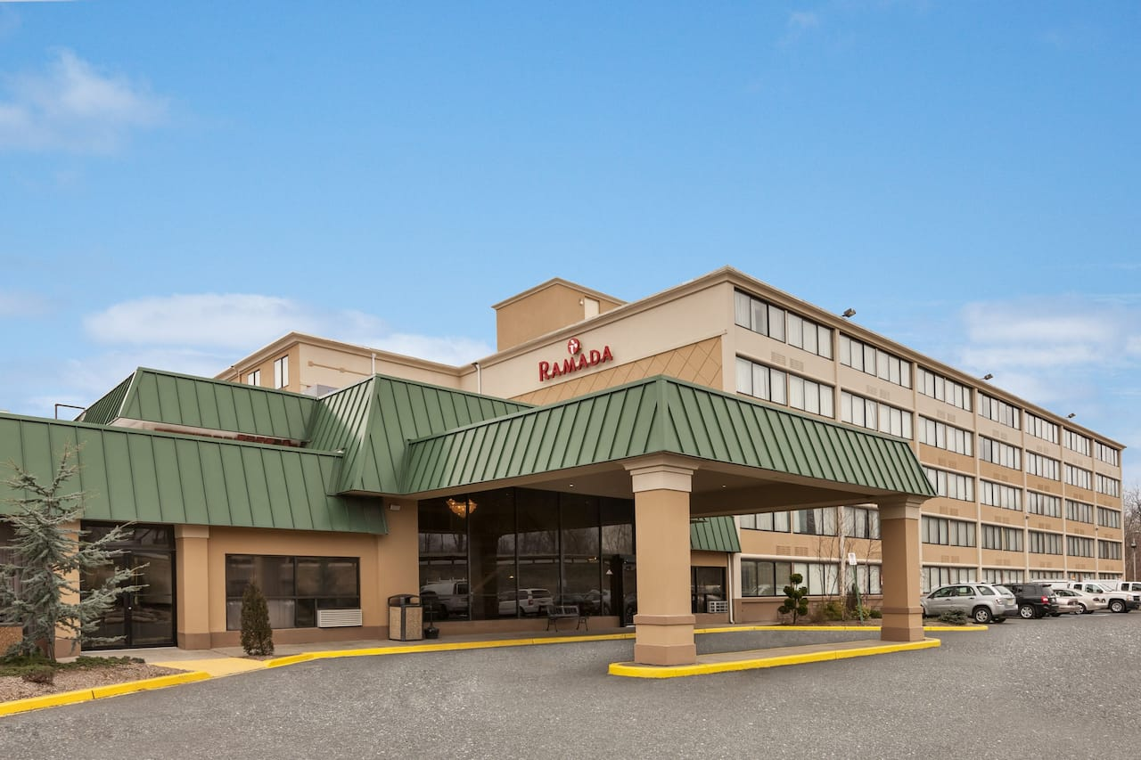 Ramada by Wyndham, Rochelle Park Near Paramus à Long Island City, New York