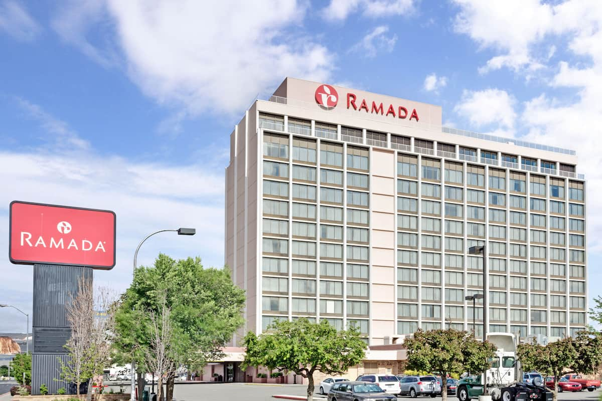 Exterior Of Ramada By Wyndham Reno Hotel And In Nevada
