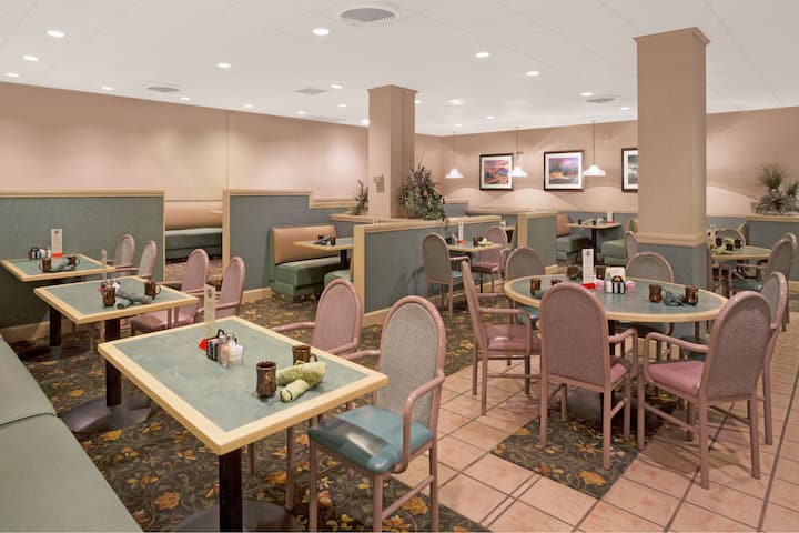 Home Decor Stores Reno Nv from www.wyndhamhotels.com