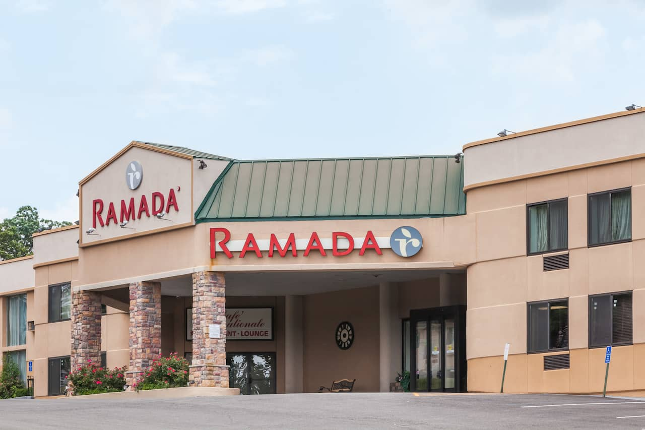 Ramada Newburgh/West Point in  Poughkeepsie,  New York