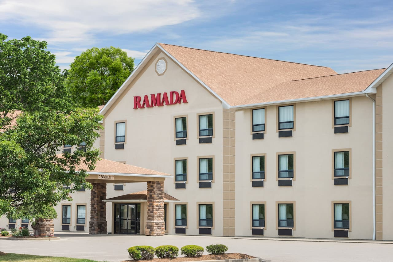 Ramada Limited Strasburg Dover in Canton, Ohio