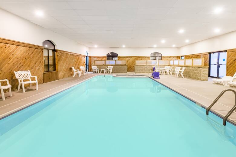 Pool At The Ramada Limited Strasburg Dover In Ohio