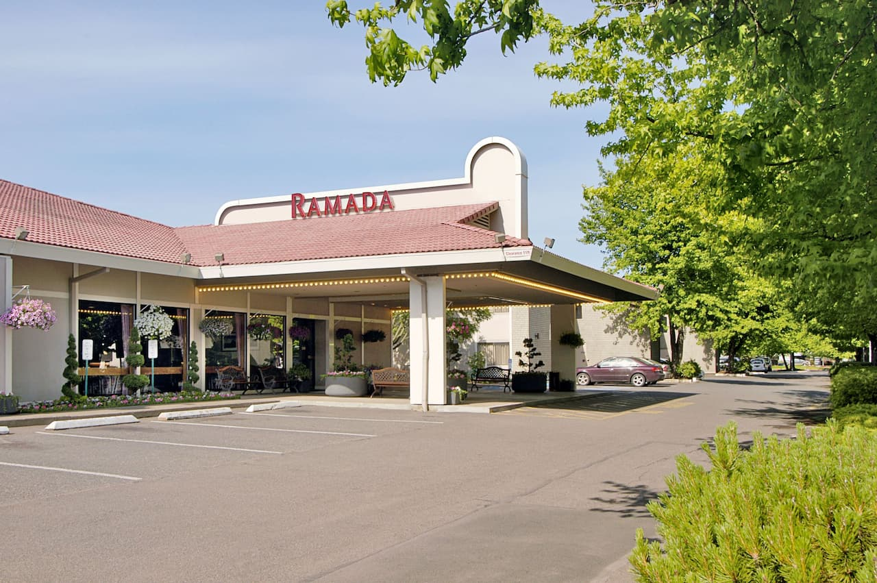 Ramada Portland Airport in Troutdale, Oregon