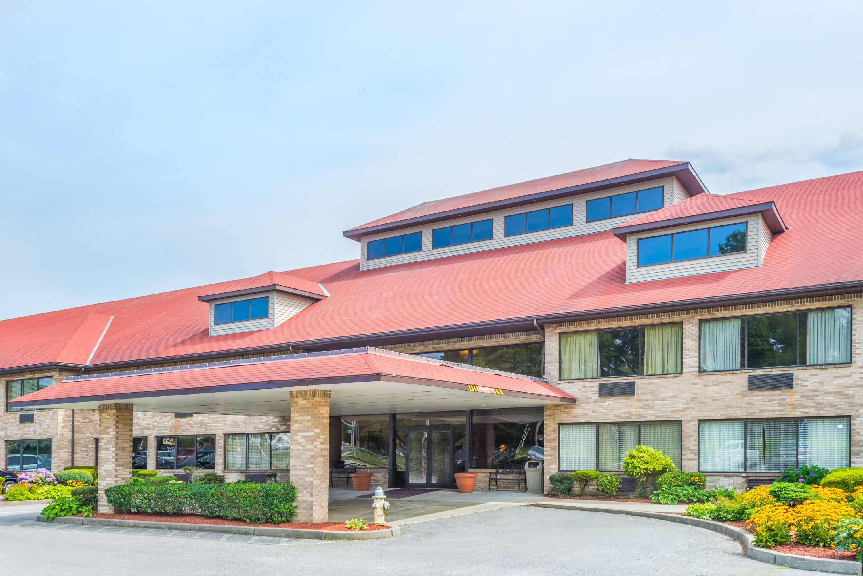 Affordable Exterior Of Ramada Middletown Newport Area Hotel In Rhode Island With Hotels Near Charlestown Ri