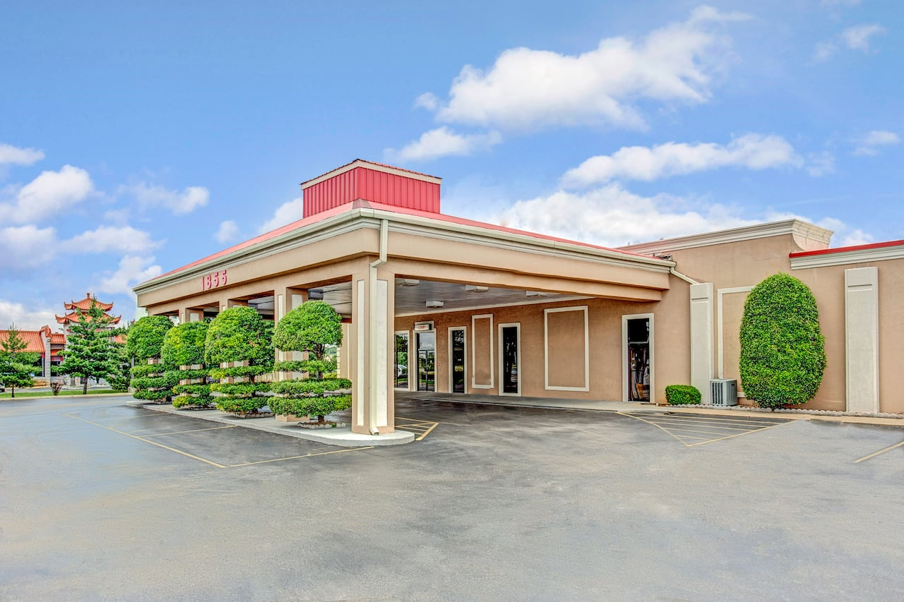 Ramada Murfreesboro near Lime Tiger Studio