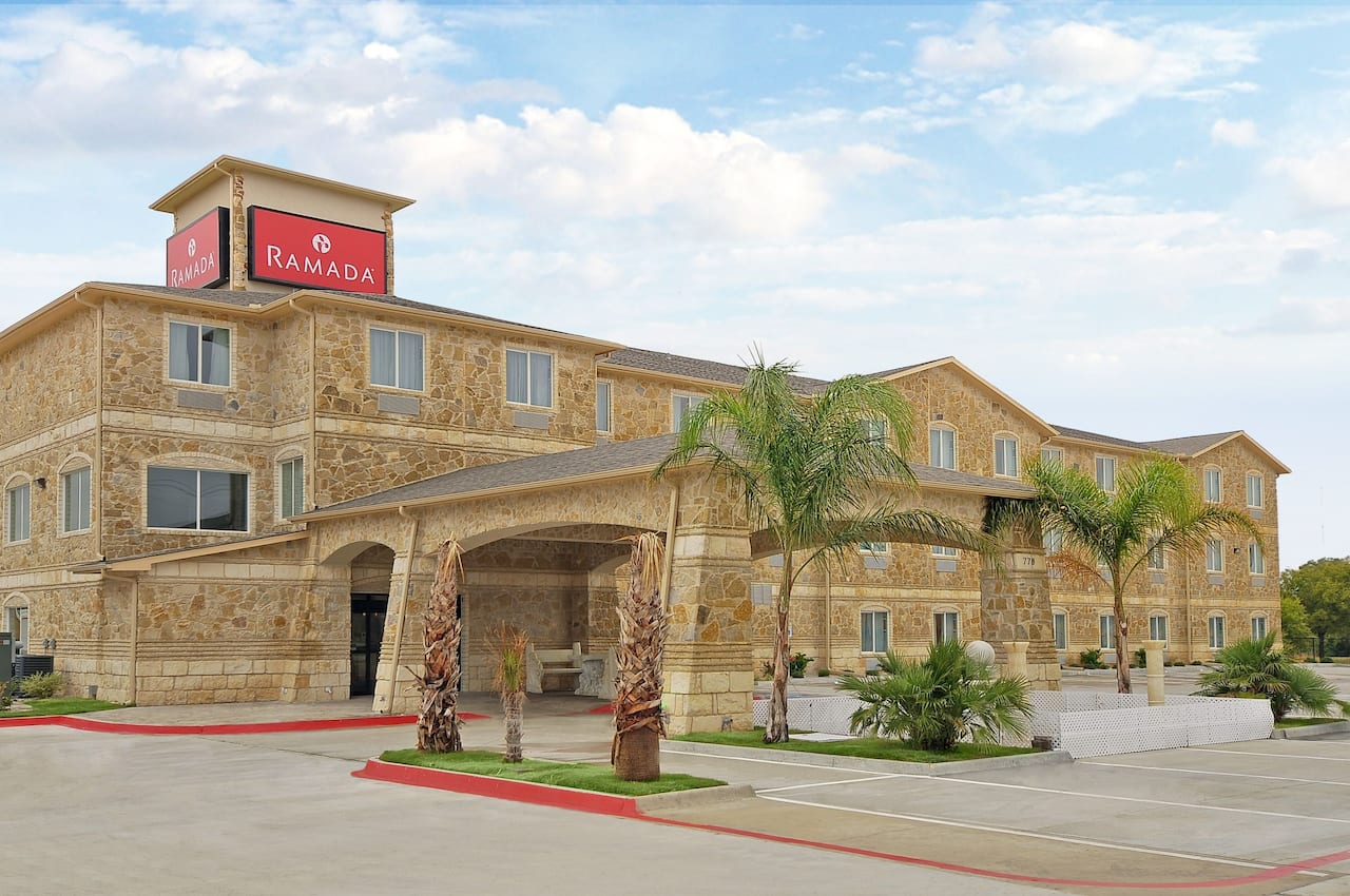 Ramada South Waco in  Hewitt,  Texas