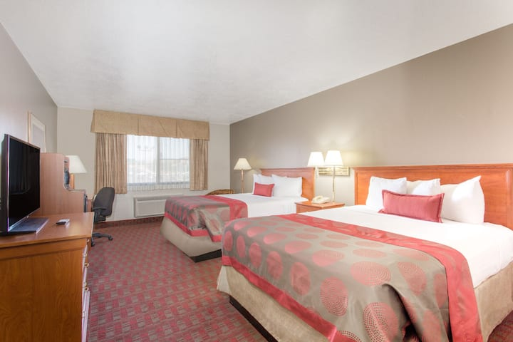 Guest room at the Ramada St George in Saint George, Utah