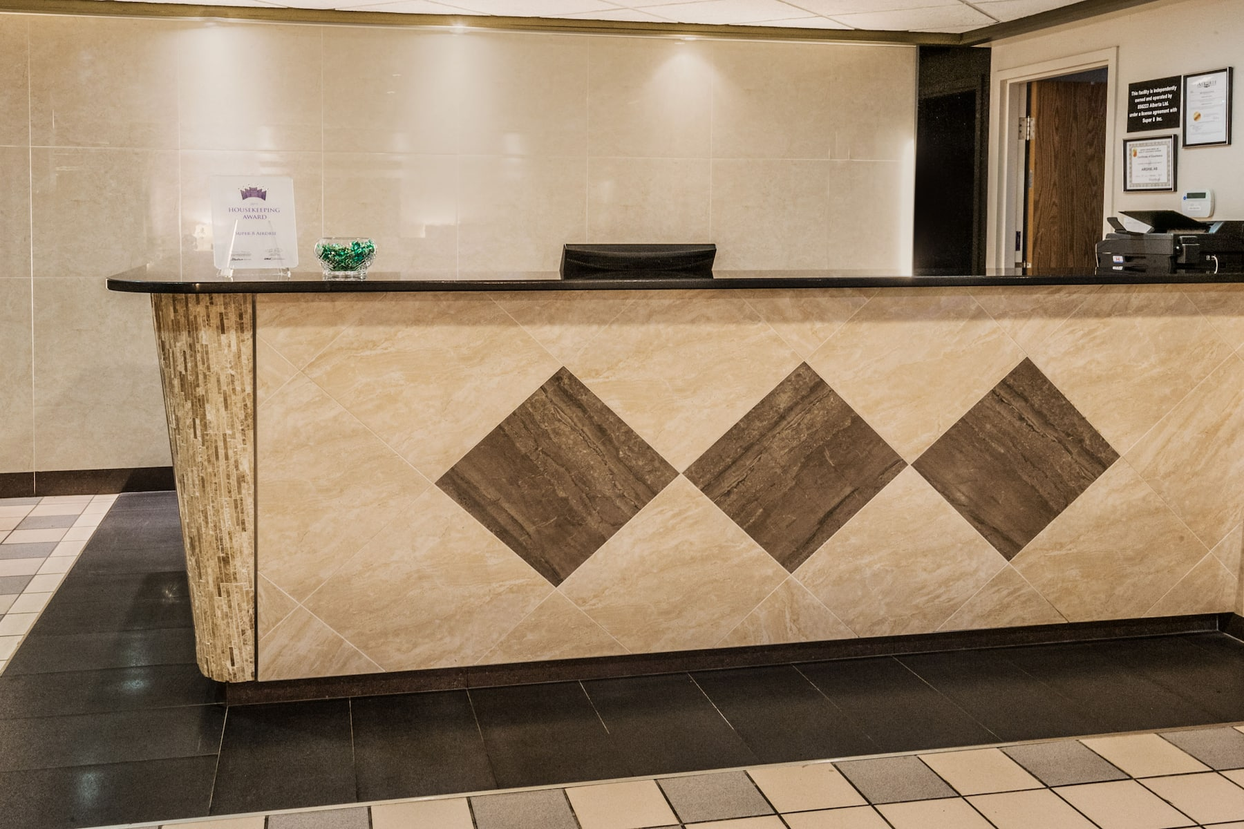 Super 8 By Wyndham Airdrie Ab Airdrie Ab Hotels