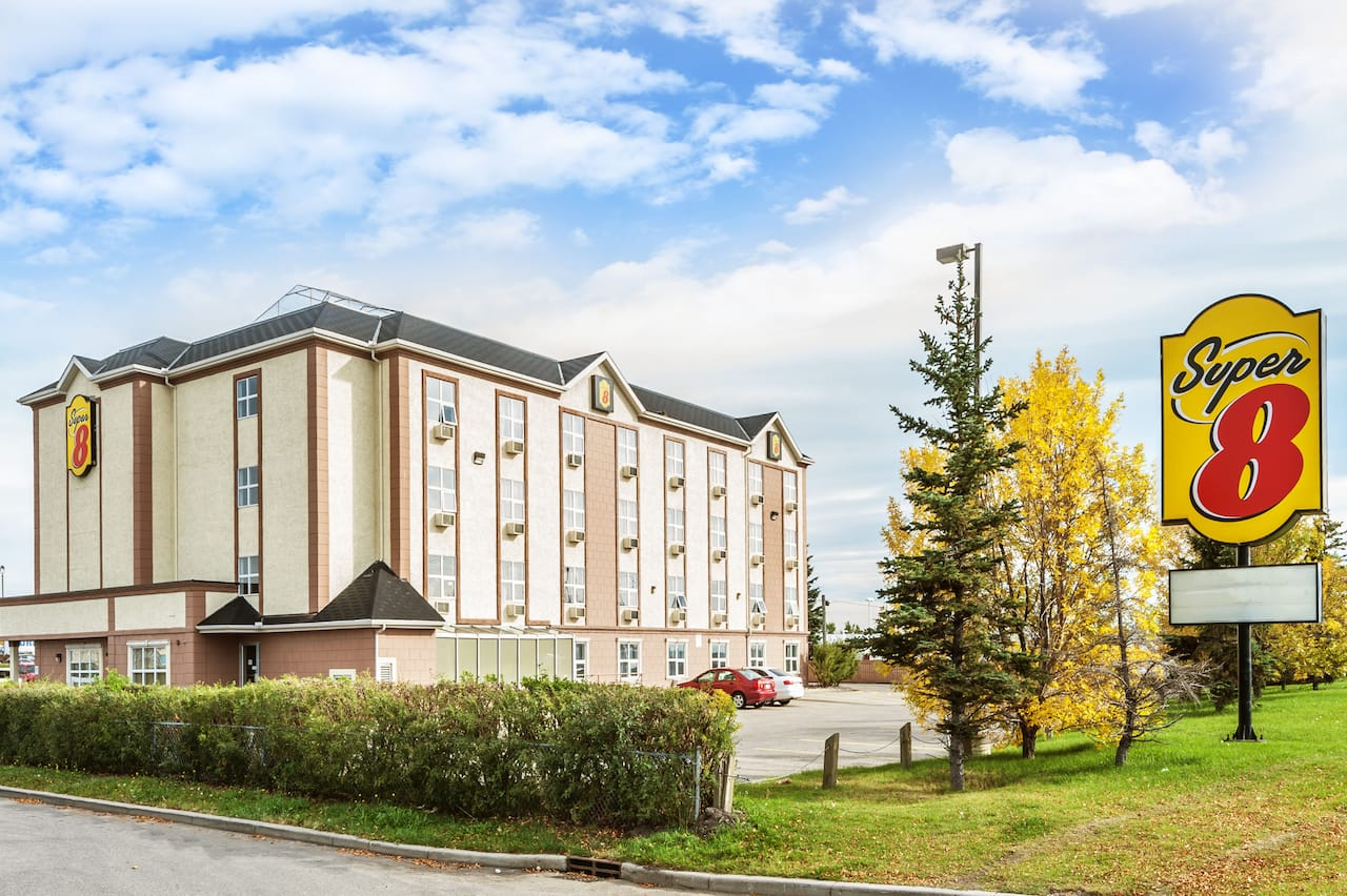 Super 8 by Wyndham Calgary/Airport in  Cochrane,  Alberta