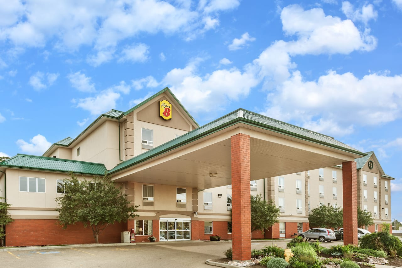 Super 8 by Wyndham Edmonton South in  Fort Saskatchewan,  Alberta
