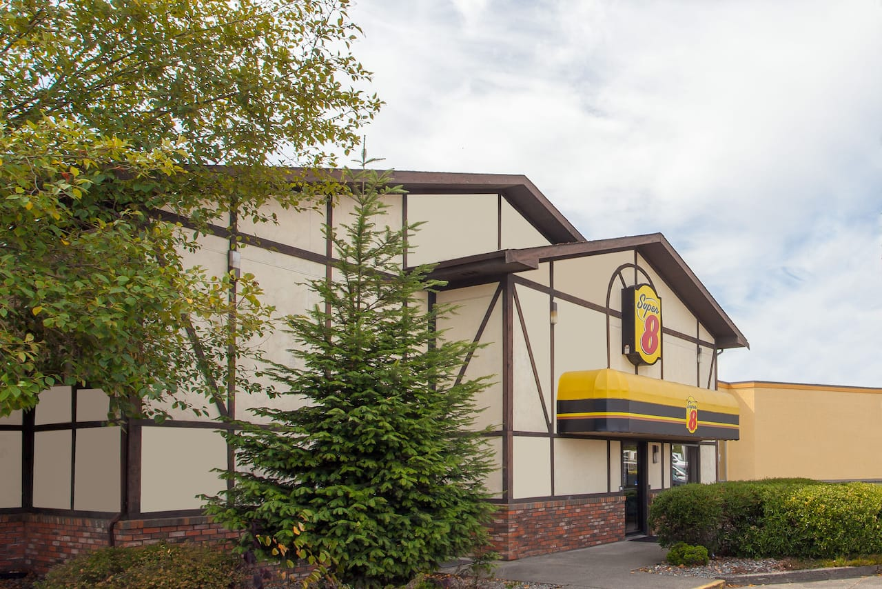 Super 8 by Wyndham Saanichton Victoria Airport in  Victoria,  British_Columbia