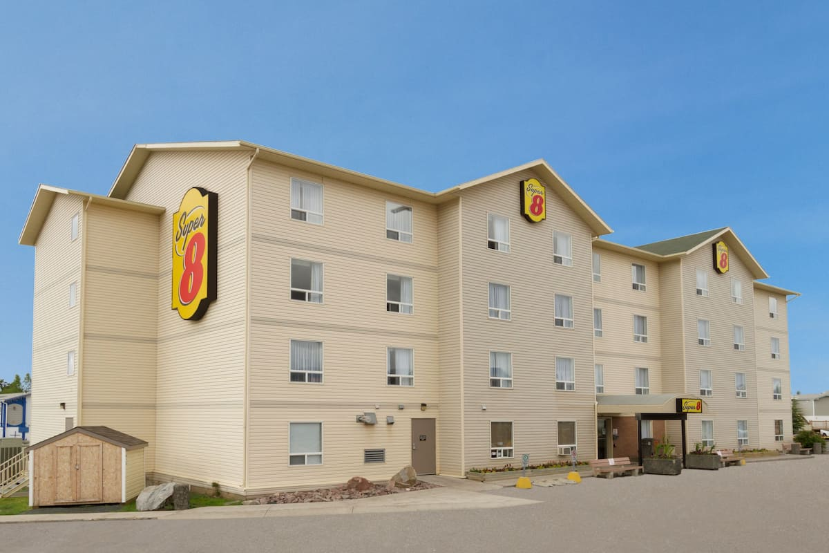 Exterior Of Super 8 Yellowknife Hotel In Northwest Territory