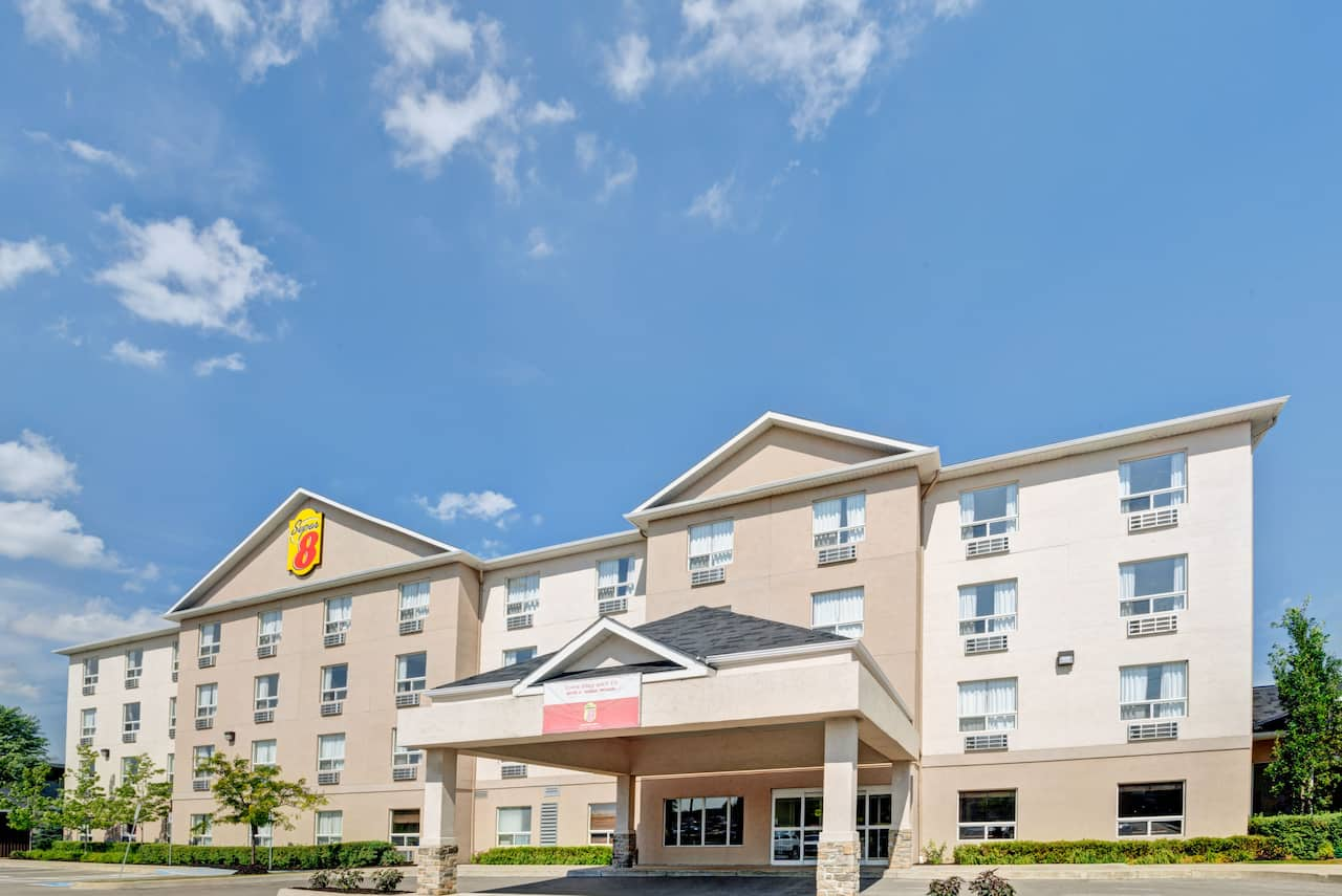 Super 8 by Wyndham Barrie in  Angus,  Ontario
