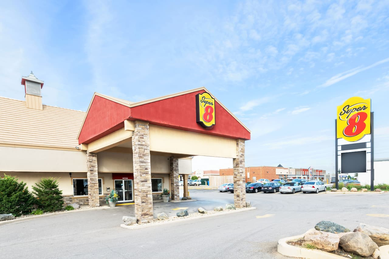 Super 8 by Wyndham Cambridge/Kitchener/Waterloo Area in  Brantford,  Ontario
