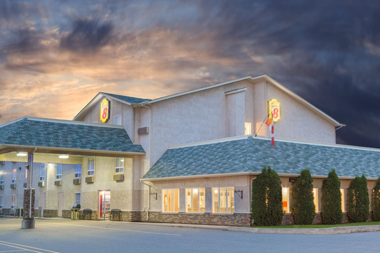 Super 8 by Wyndham Fort Frances in  Fort Frances,  Ontario