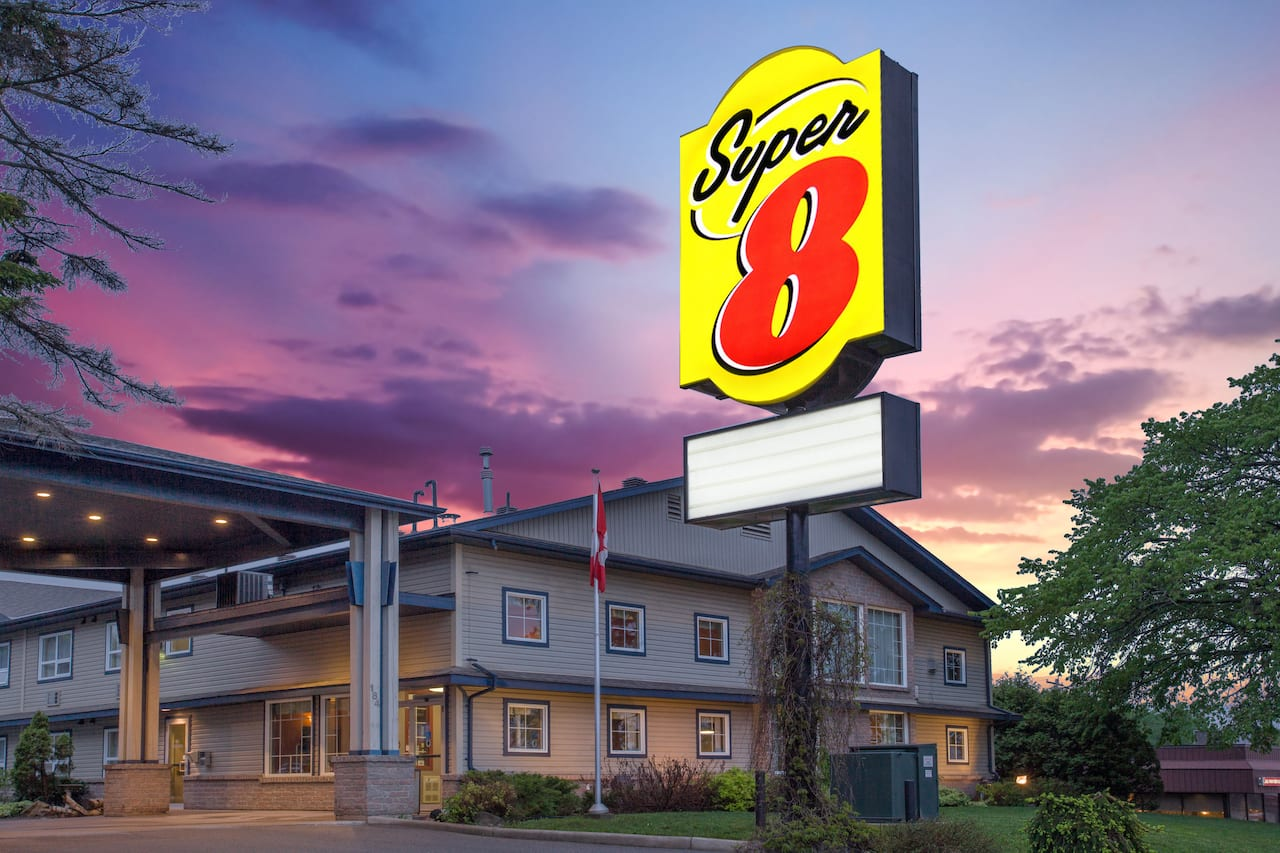 Super 8 by Wyndham Sault Ste Marie On in  Sault Sainte Marie,  Ontario
