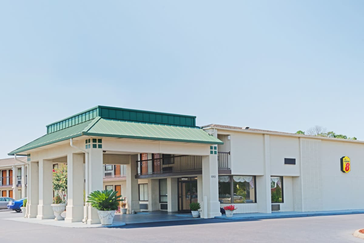 Exterior Of Super 8 Troy Hotel In Alabama