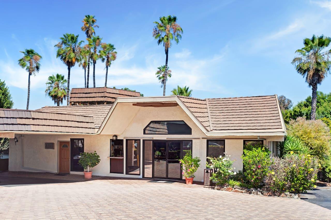 Super 8 by Wyndham Long Beach in  Anaheim,  California