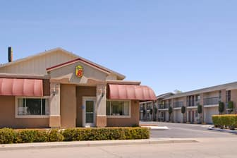 Exterior Of Super 8 Red Bluff Hotel In California