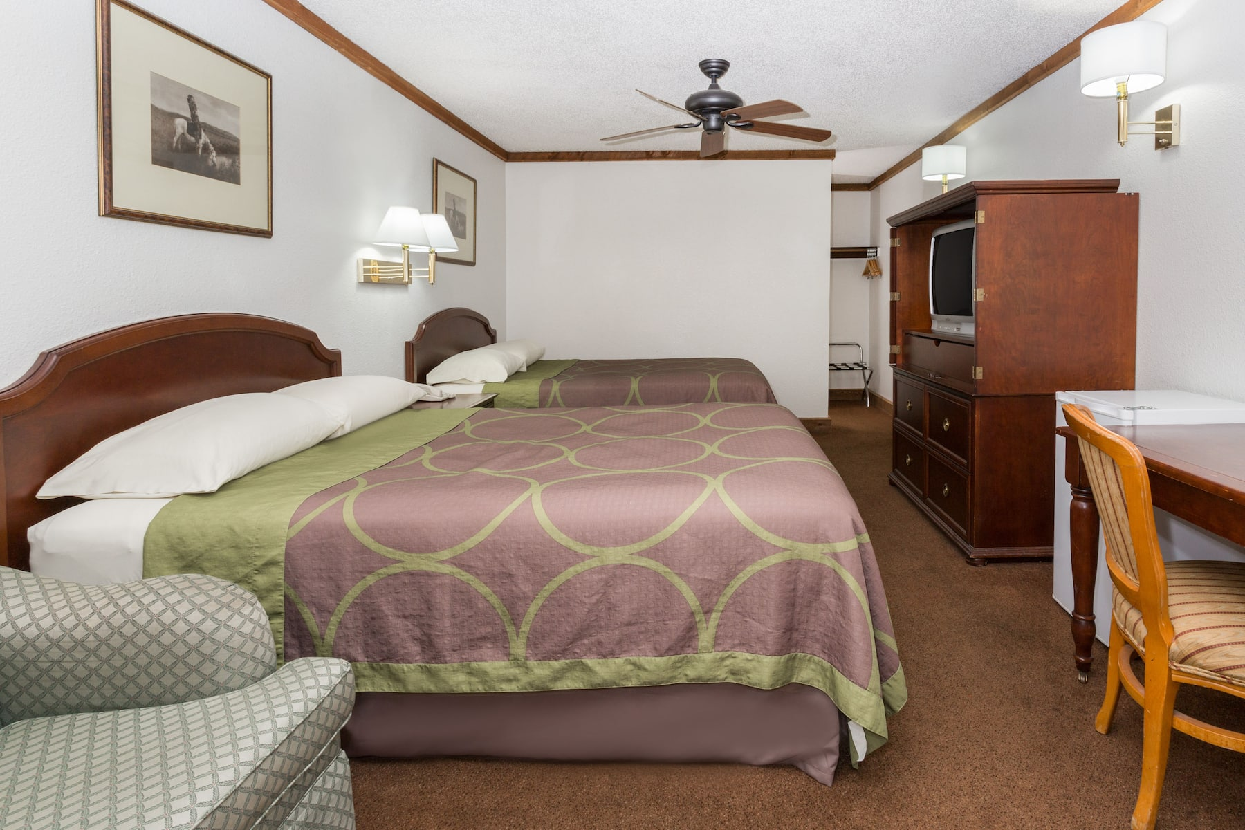 Guest room at the super 8 georgetown in georgetown colorado