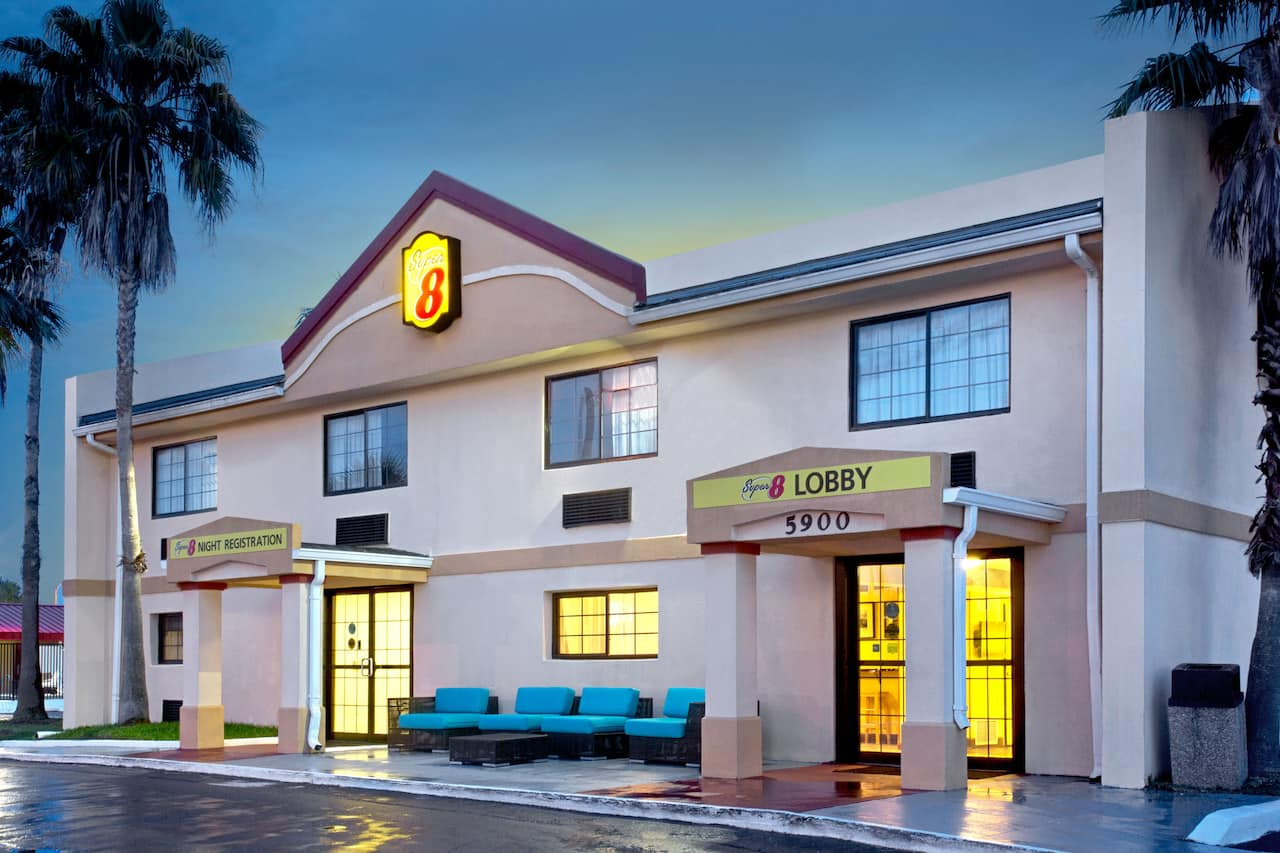 Super 8 by Wyndham Orlando International Drive in  Orlando,  Florida